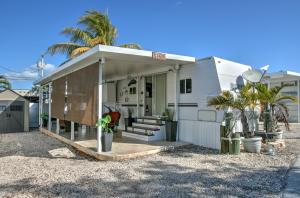 325  Calusa Street 15 For Sale, MLS 594724