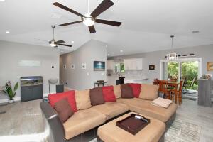 807 Miramar Drive, Key Largo, FL 33037