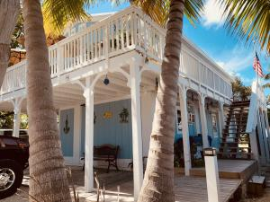 39 Seaside Avenue, Key Largo, FL 33037