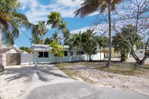 29  Bahama Avenue  For Sale, MLS 595101