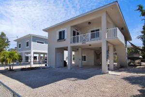 872  La Paloma Road  For Sale, MLS 596476