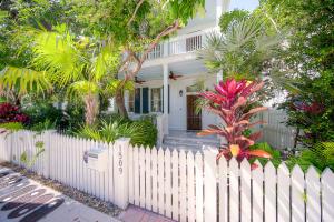 1509  Pine Street  For Sale, MLS 595373