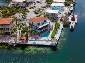 Port Antigua pool home with 4 bedrooms, 2 1/2 baths, pool and LOTS of dockage