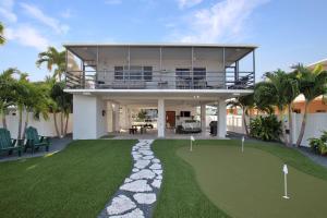 211 Azalea Street, Plantation Key, FL 33070