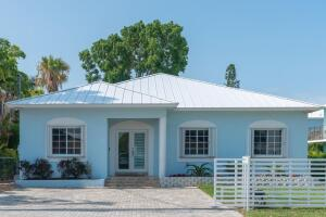 69 Bahama Avenue, Key Largo, FL 33037