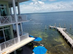 104000 Overseas Highway, Key Largo, FL 33037