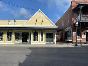 One of the best retail locations in Old Town Key West located on the Duval/Front Corridor. Outstanding foot traffic from tourists, approximately ~1106sf with great display windows along a shaded sidewalk. Monthly rent quoted is base rent only in addition are triple net charges and sales tax.