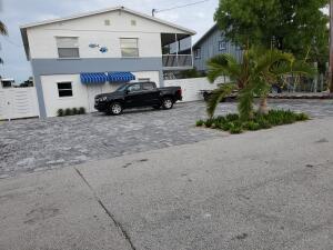 404 Mahogany Circle, Key Largo, FL 33037