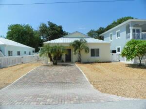 652 Cabrera Street, Key Largo, FL 33037