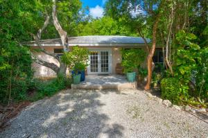 260  Bay Drive  For Sale, MLS 597144
