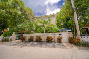 1006  Seminary Street  For Sale, MLS 597239