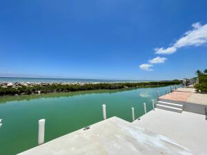 242 W Seaview Circle, Duck Key, FL 33050