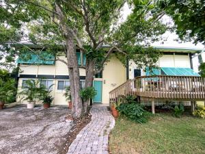 1310 Almay Street, Key Largo, FL 33037