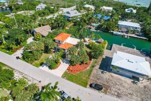 17184 Coral Drive, Sugarloaf Key, FL 33042