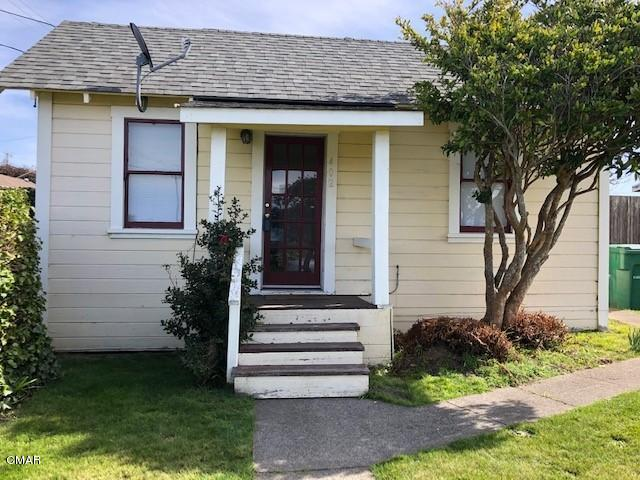 Cute two bedroom one bath home with zoning for additional units. (RM) Residential Medium Density. Parcel is 50x150 with good alley access on the North side of property. Monitor oil heat, Has been a rental for many years. First time on the market for decades.