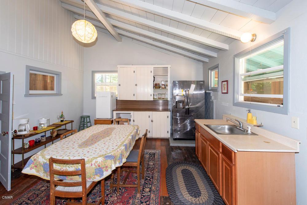 14500 Mitchell Crk, Fort Bragg, CA 95437