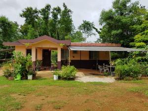 176 Chalan Fago Astumbo, Dededo, GU 96929