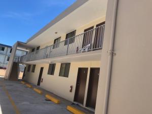 120 Puti Tai Nobio Apts 8, Mangilao, Guam 96913