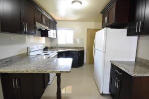 Villa Marcus Apartments 850 Roy Damian Street 206, MongMong-Toto-Maite, GU 96910