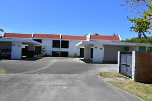 Casa de Serenidad Townhomes-Yona Silencio 66, Yona, GU 96915