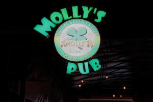 Pale San Vitores rd, Mollys Irish Pub, Tumon, GU 96913