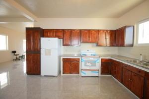 3 Valencia Apartment, Taitano Rd 4, Dededo, GU 96929