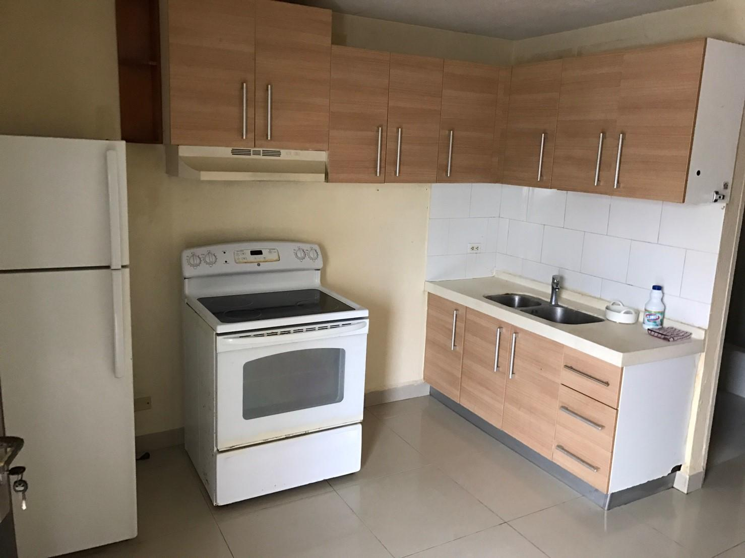 Perez (Yang Apartment) Lane #13, MongMong-Toto-Maite, GU 96910
