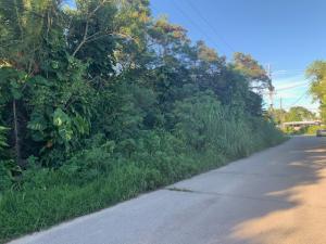 Macheche Avenue, Dededo, GU 96929