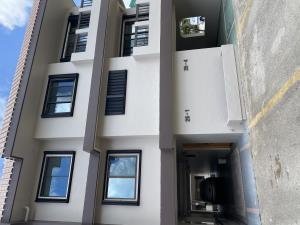 107 Road G Apt A 25-1, Royal Gardens Townhouse, Tamuning, GU 96913