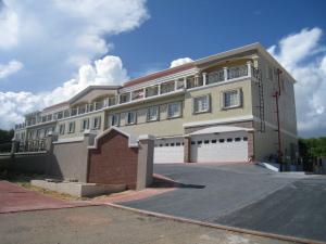 Paraiso Isla Townhouse-Yona 115-G Paraiso Isla Court Unit G, Yona, GU 96915