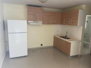 Perez (Yang Apartment) Lane #12, MongMong-Toto-Maite, GU 96910