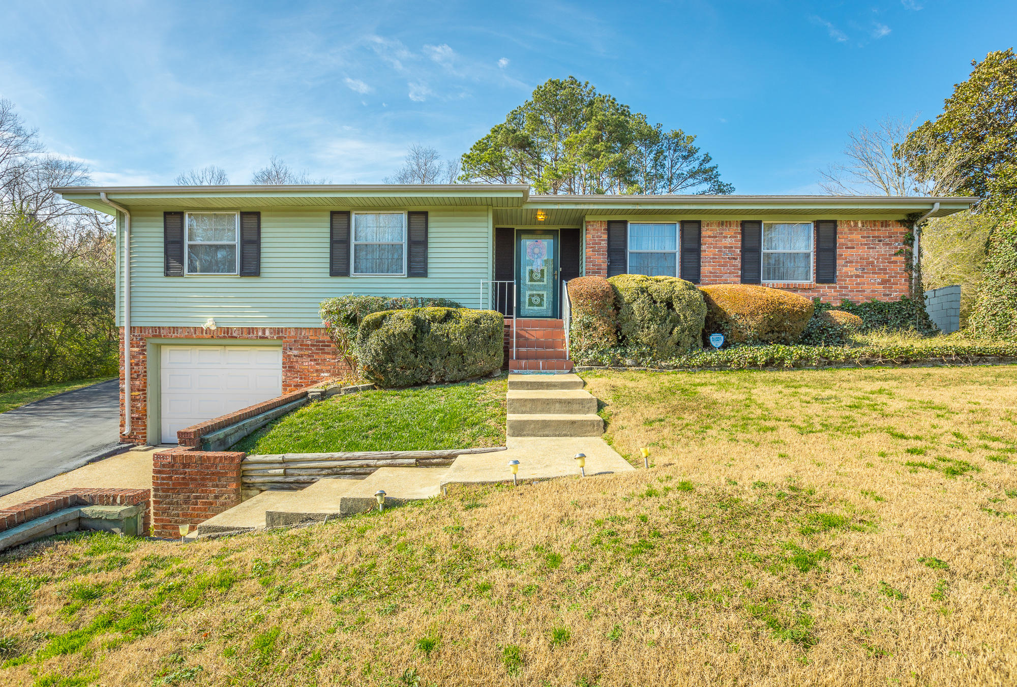 1919 Julian Ridge Road Chattanooga #homeforsaleinchattanooga, #ChattanoogaHomeForSale, #ThePaulaMcDanielGroup, #Chattanoogarealestateforsale, #Chattanoogarealestateforsale, #allbrickhomeforsale#, ThePaulaMcDanielGroup, #homeforsalewith - The Paula McDaniel Group With Real Estate Partners Chattanooga LLC Luxury homes for sale in Chattanooga and N. GA by The Paula McDaniel Group. Chattanooga homes and land for sale by The Paula McDaniel Group with Real Estate Partners Chattanooga LLC
