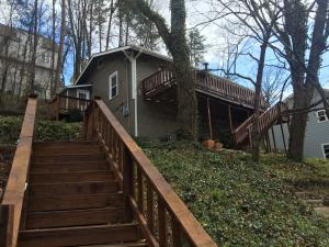 1033 Dartmouth St, Chattanooga, TN 37405