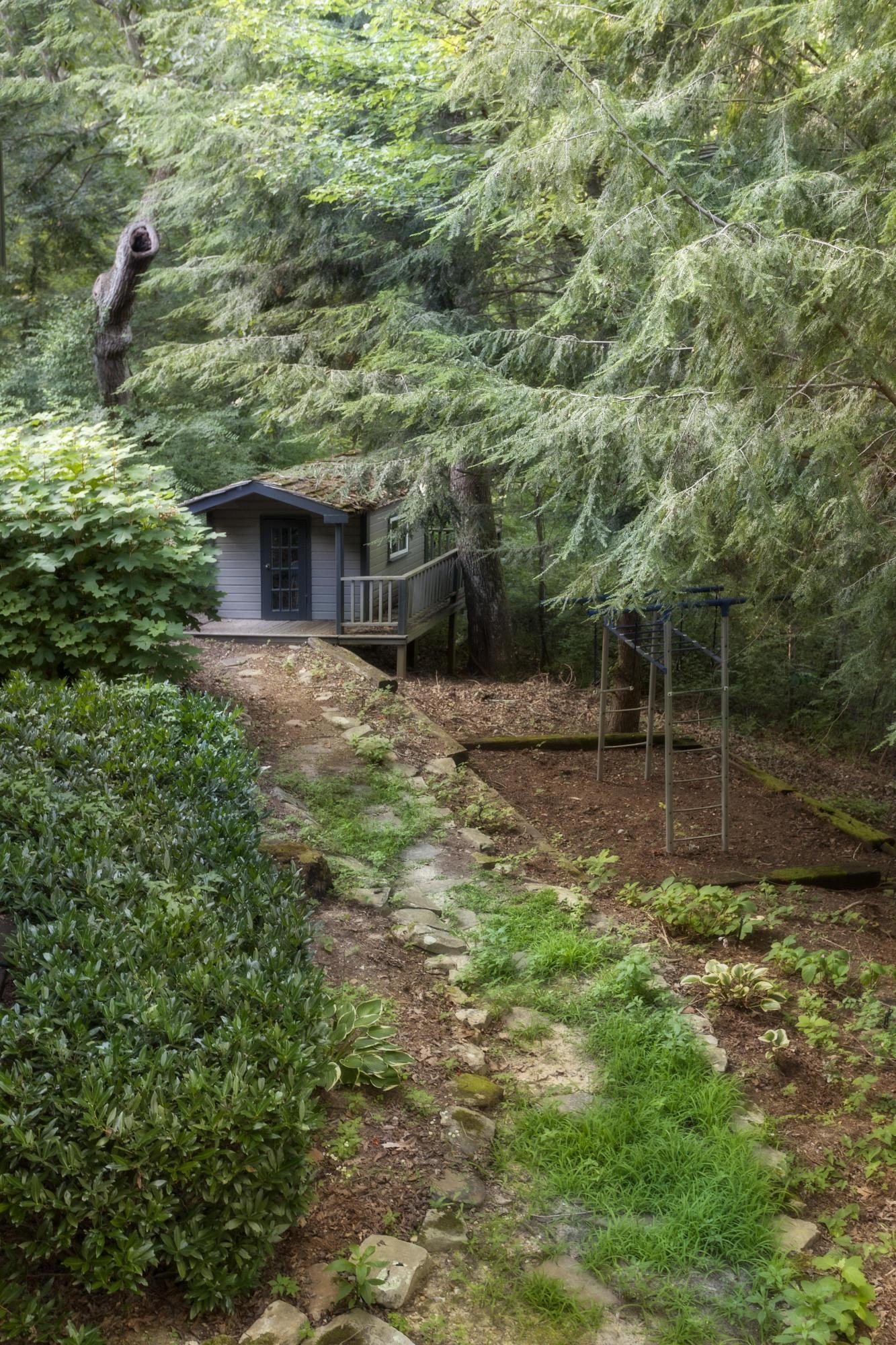 4 Woodhill