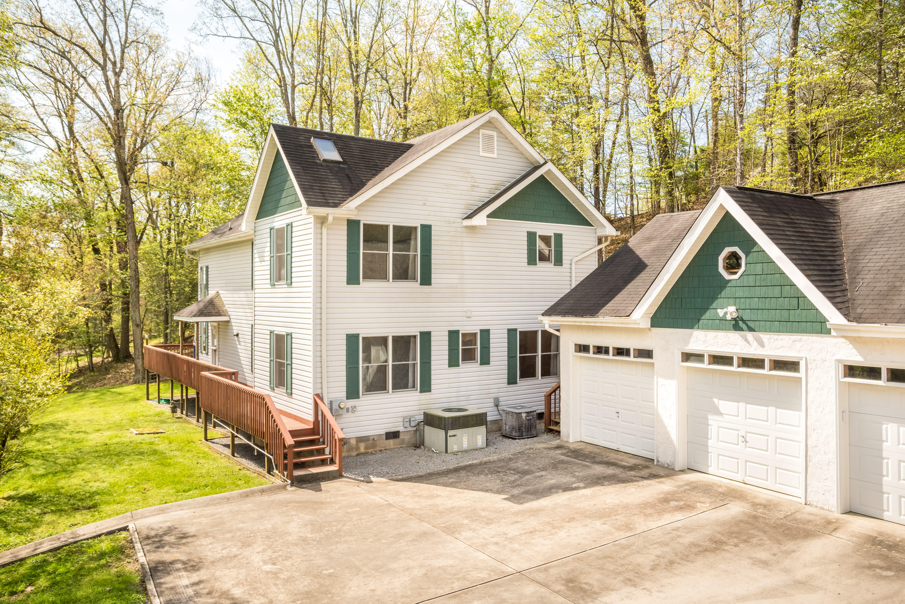 1188 Lake Forest