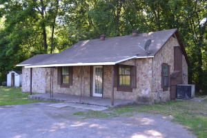 551 S Main St, Whitwell, TN 37397