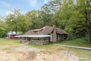 9096 E Brainerd Rd, Chattanooga, TN 37421