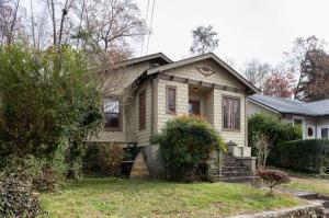 1304 Hixson Pike, Chattanooga, TN 37405