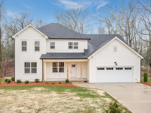 802 Bell Ave, Signal Mountain, TN 37377