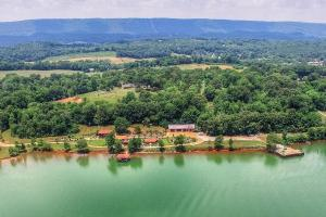 2745 New Lake Rd, Spring City, TN 37381