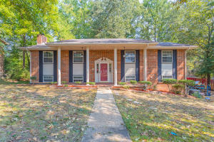 3911 N Mission Oaks Dr, Chattanooga, TN 37412