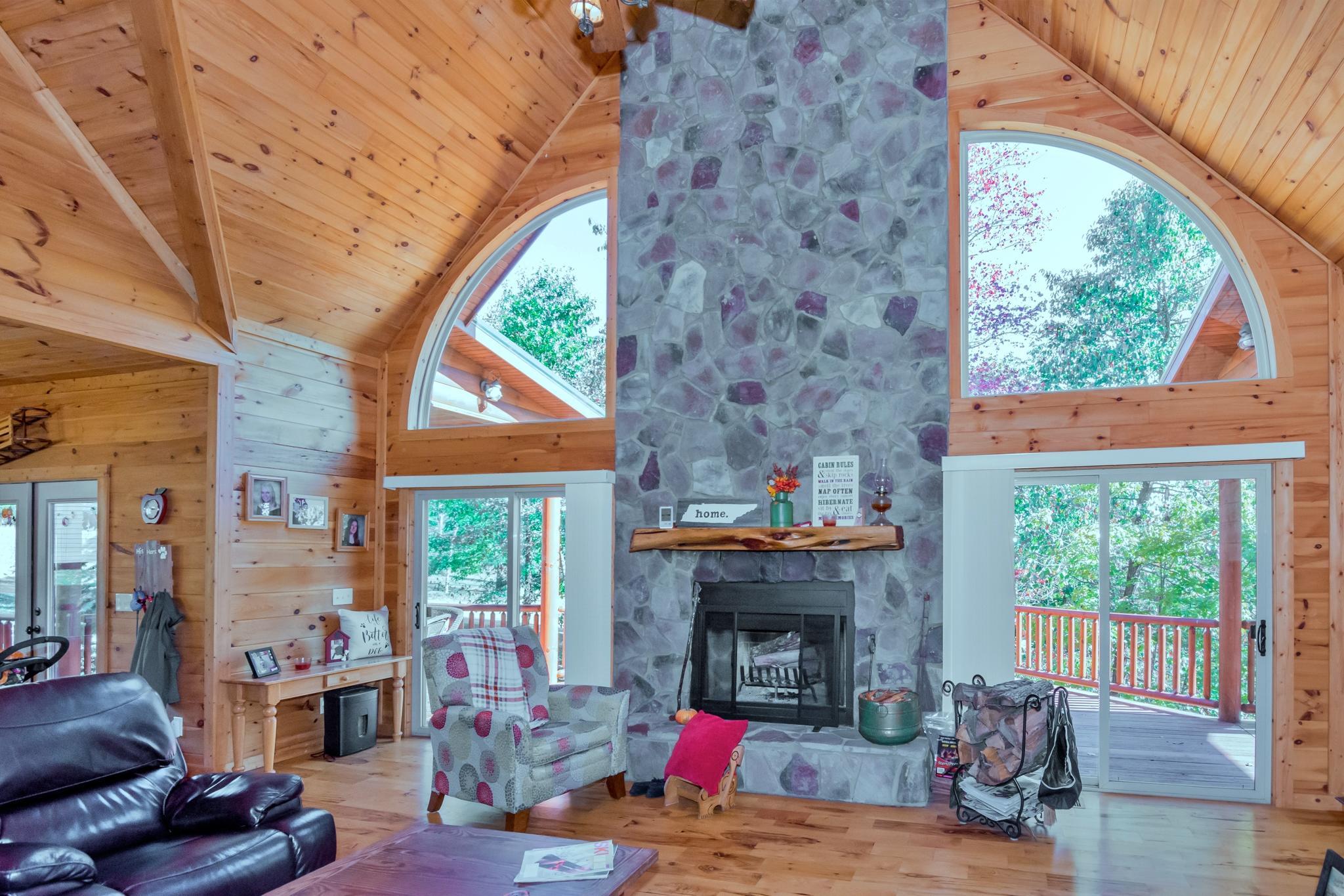 Image 5 For 74 Log Cabin