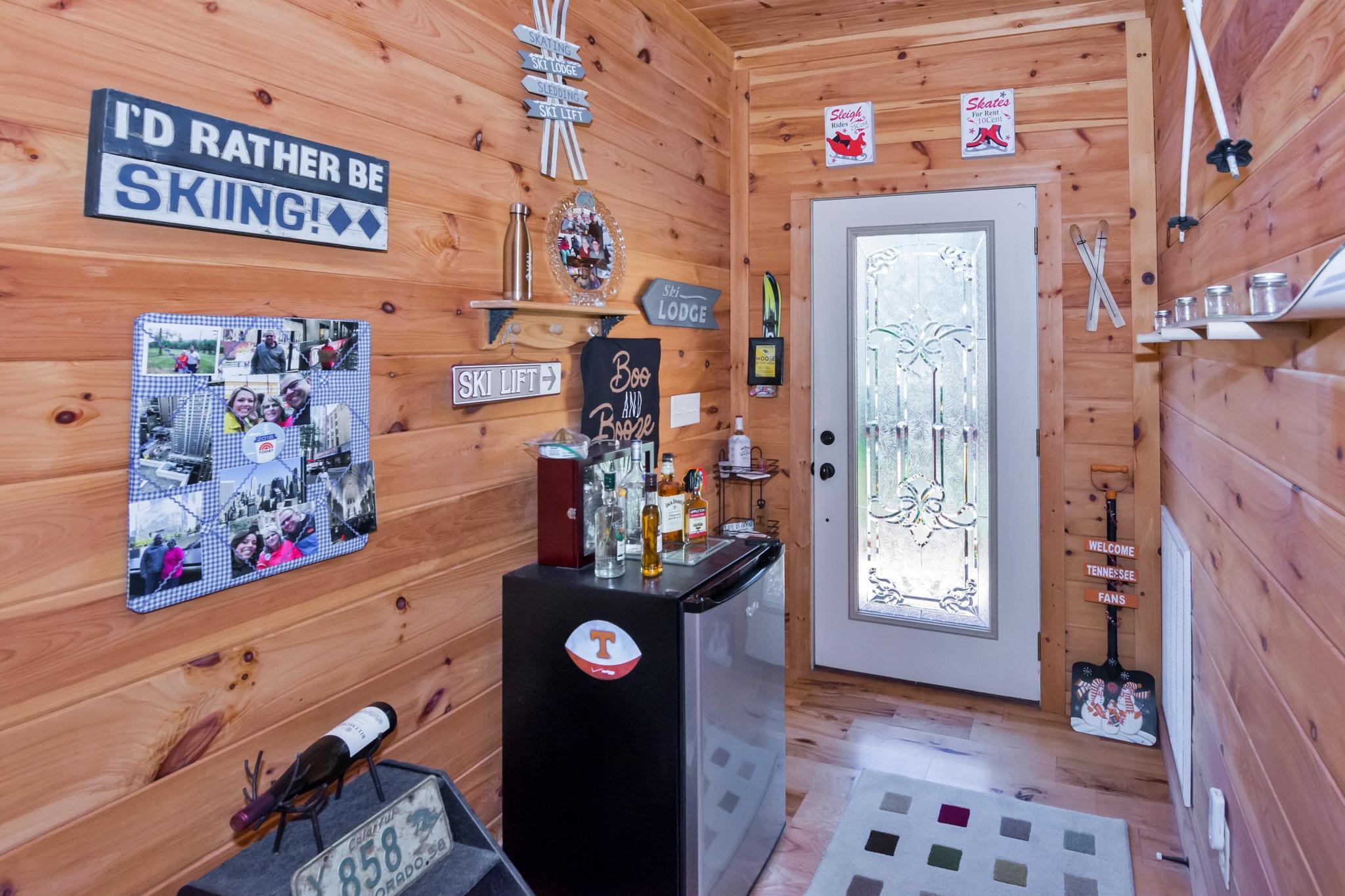 Image 4 For 74 Log Cabin