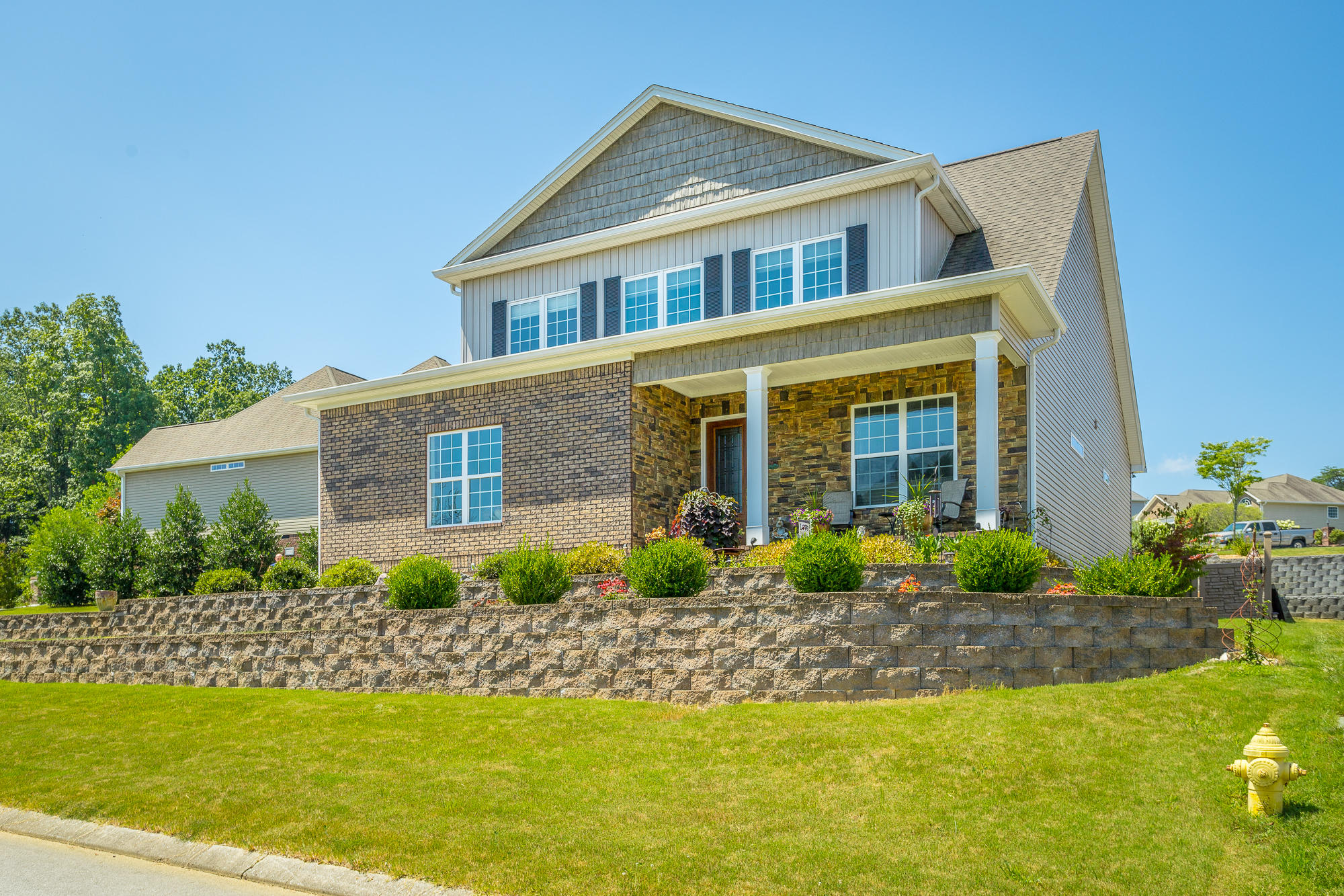 608 Sunset Valley Dr, Soddy Daisy, TN 37379