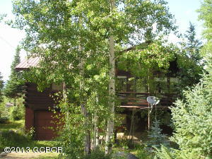 Nestled in the Aspens with all the lovable amenities of Columbine Lake! This Home needs work and is being sold 'as is'. There is evidence of frozen pipes, water damage and roof repairs needed.