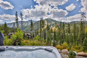 Breathtaking views from hot tub