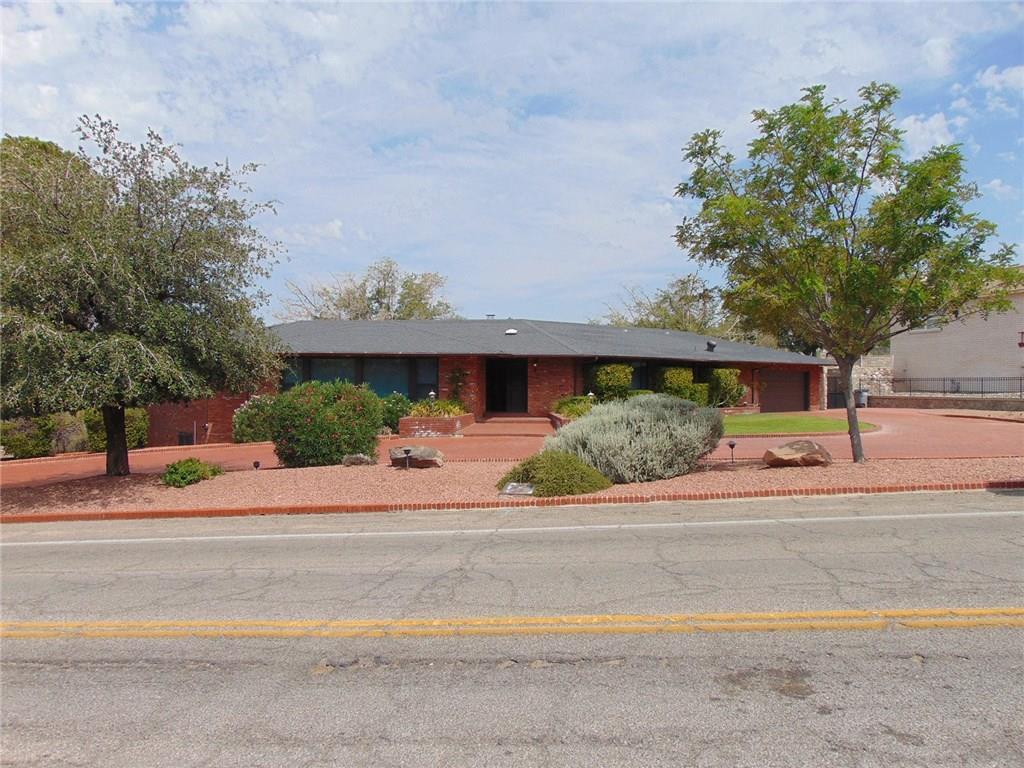 901 Thunderbird, El Paso, Texas 79912, 5 Bedrooms Bedrooms, ,5 BathroomsBathrooms,Residential,For sale,Thunderbird,752933