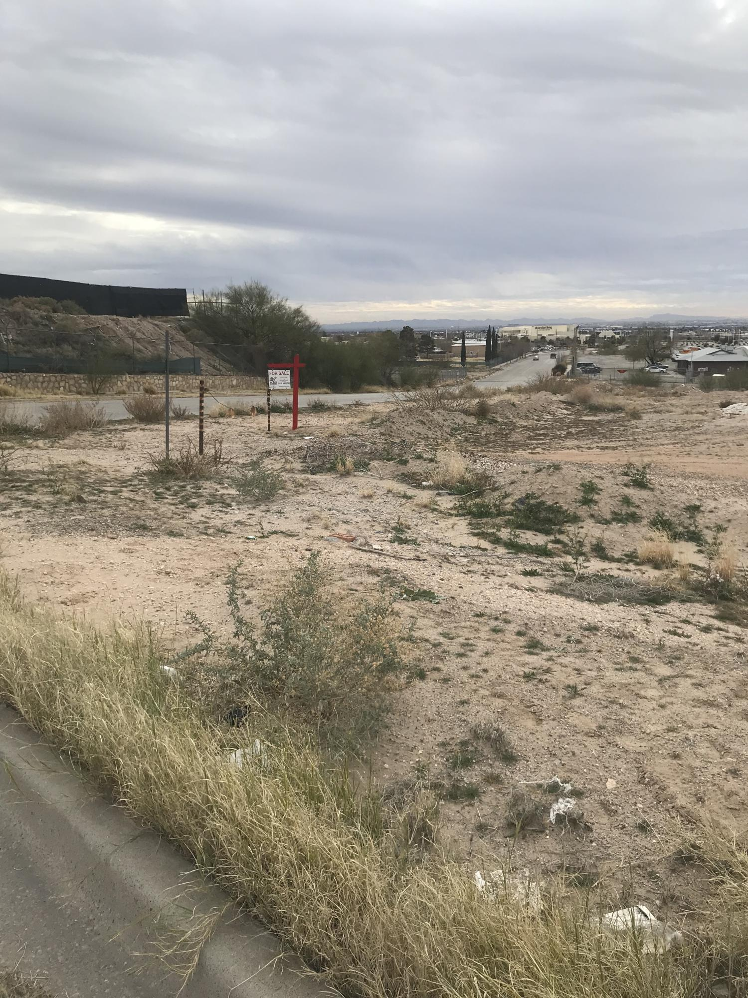 1175 VALLEY CREST Drive, El Paso, Texas 79907, ,Land,For sale,VALLEY CREST,801310