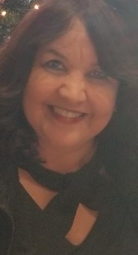 Gloria Flores agent image