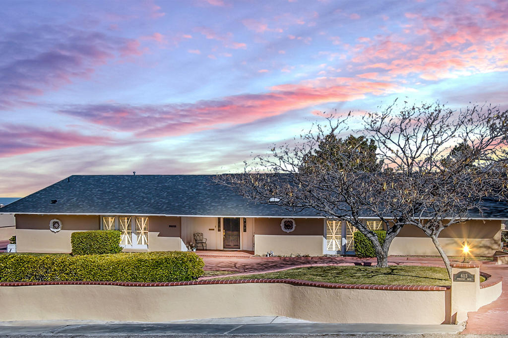 6113 PINEHURST, El Paso, Texas 79912, 3 Bedrooms Bedrooms, ,5 BathroomsBathrooms,Residential,For sale,PINEHURST,802728